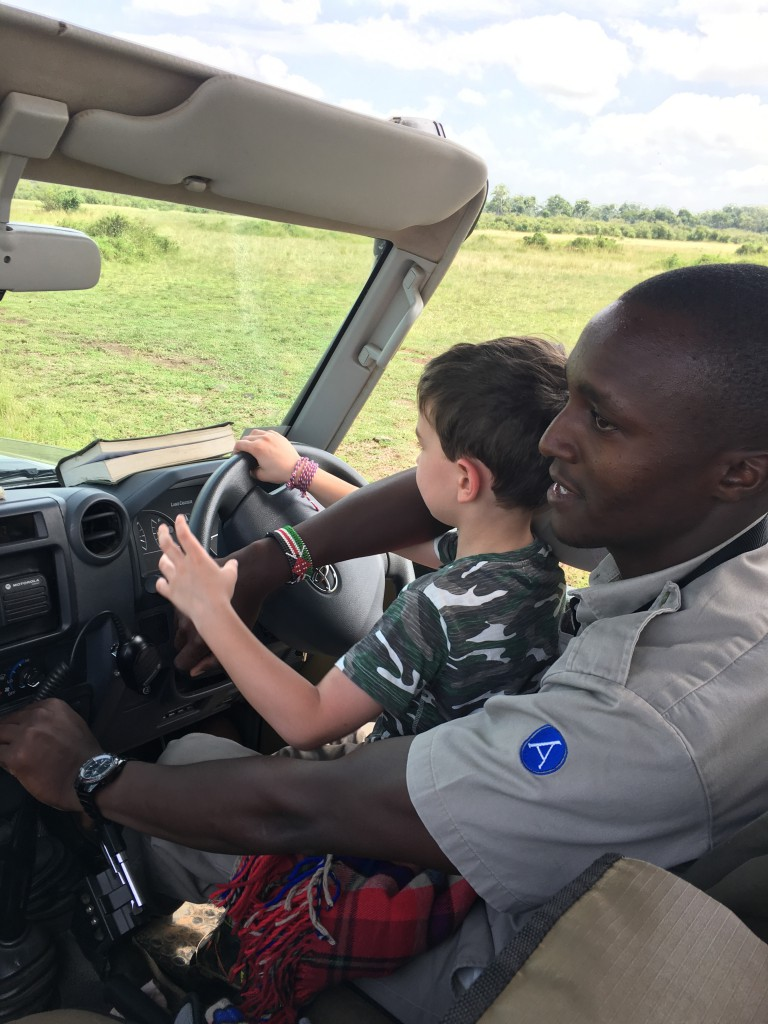 kid_driving_jeep_africa_safari_minicph